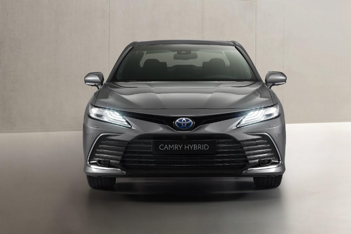 toyota_camry_electric_hybrid_2021_3.jpg