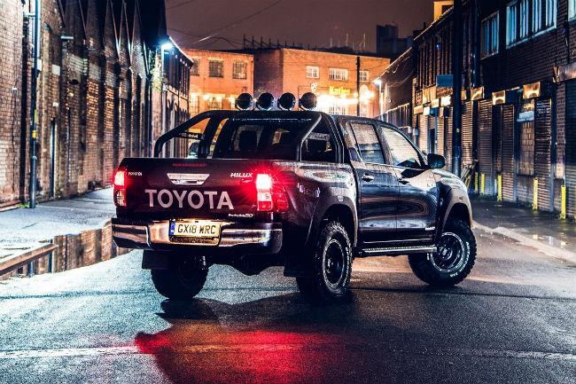 toyota_hilux_invincible_50_2.jpg  Toyota Hilux Invincible 50: aniversario con toque islandés toyota hilux invincible 50 2