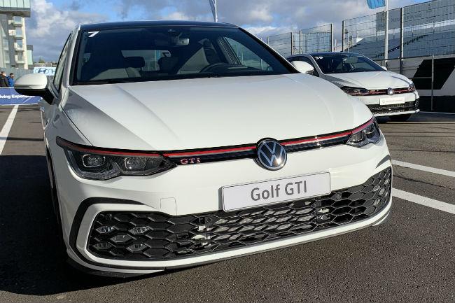 volkswagen_golf_gti_1.jpg