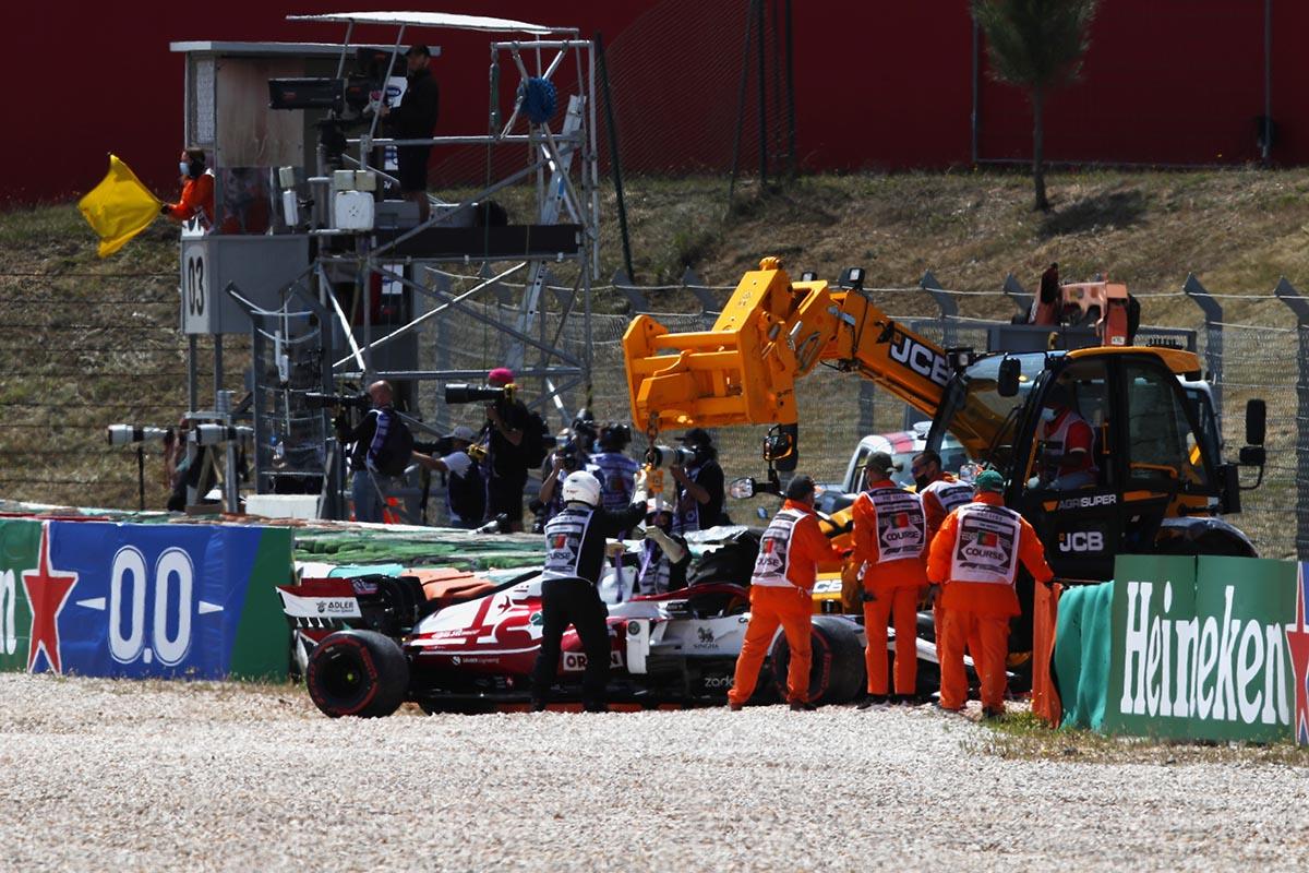 raikkonen-accidente-portugal-soymotor.jpg