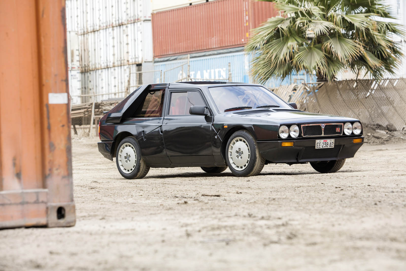 1985_lancia_delta_s4_stradale_06_-_soymotor.jpg