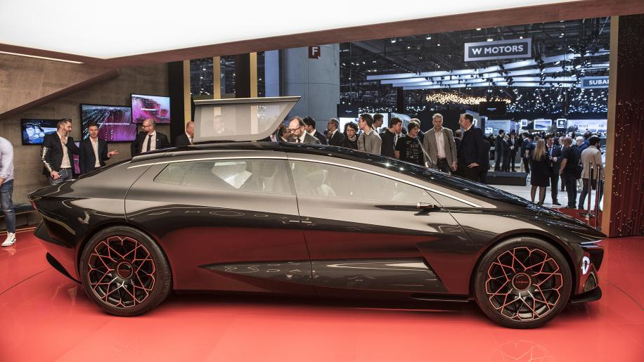 aston-martin-lagonda-vision-concept-geneva-1_-_soymotor.jpg