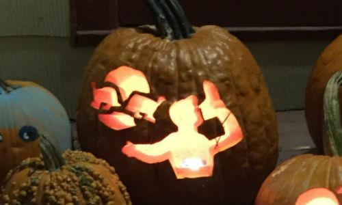 ricciardo-shoey-halloween2.jpg