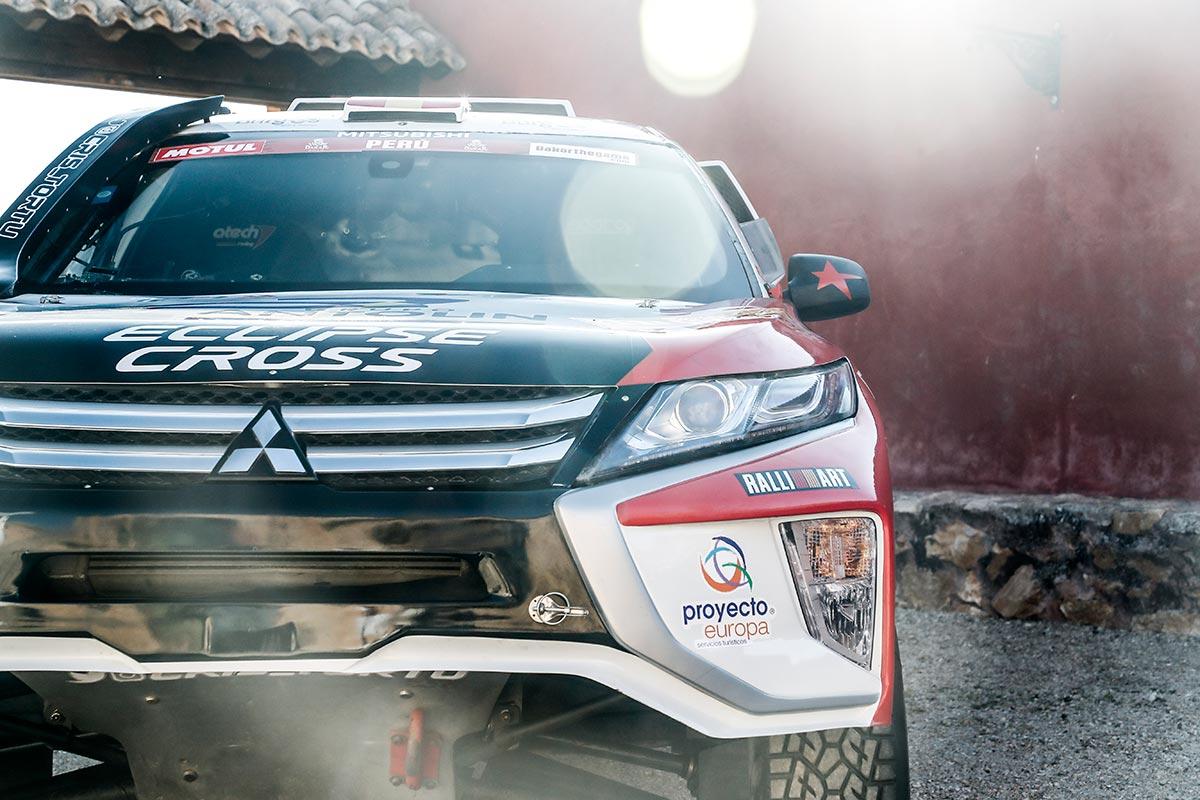 dakar-rally-mitsubishi-cristina-4-2019-soymotor.jpg