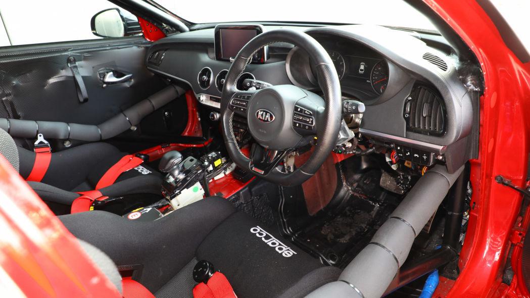 kia-stinger-gt-420-track-car-05.jpg