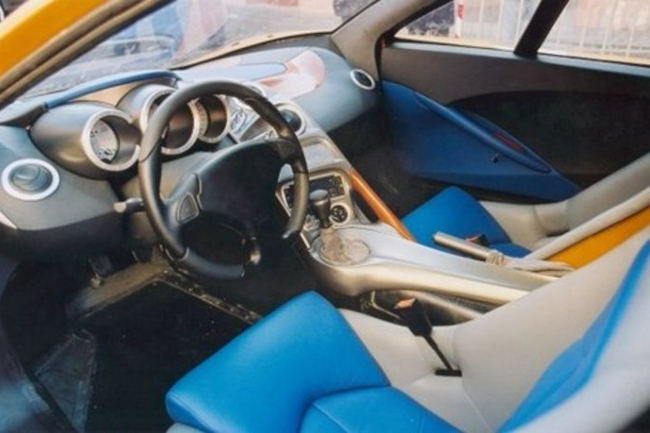 edonis-interior.jpg