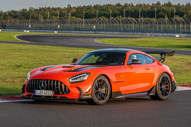 mercedes-benz-amg-gt-black-series-2021.jpg