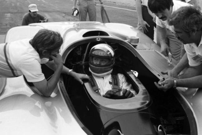 oldsmobile-aerotech-concept-car-foyt.jpg