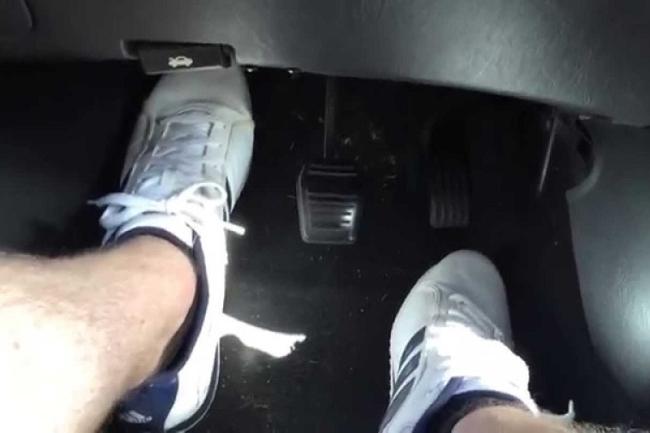 pedal-embrague-pisado.jpg