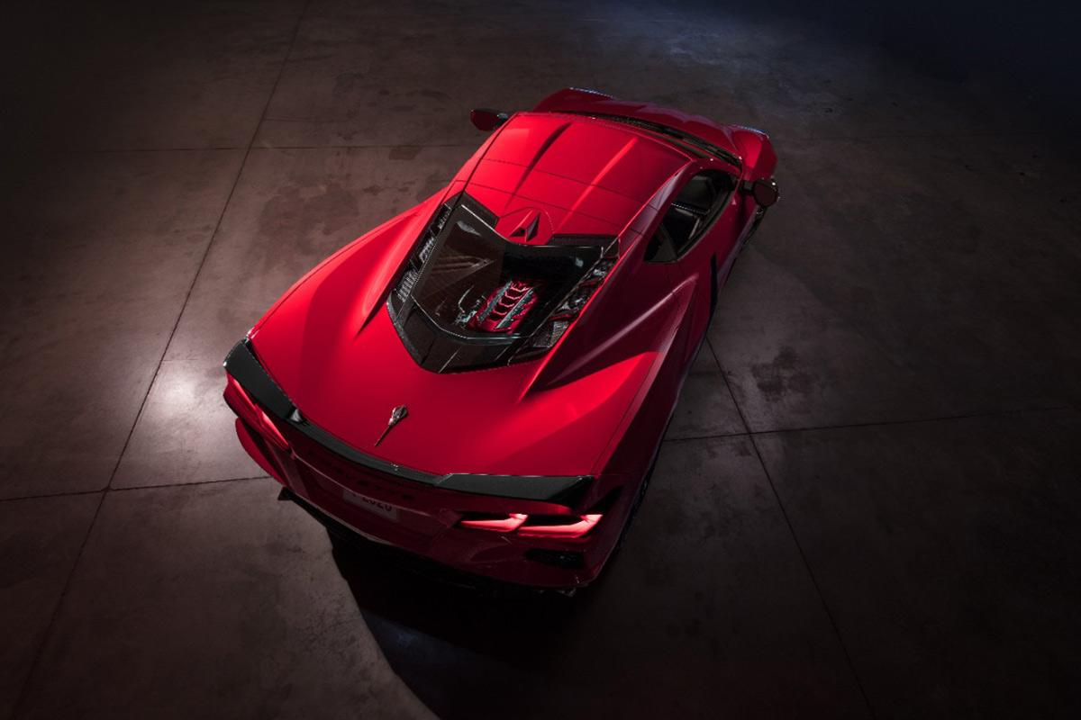 2020-chevrolet-corvette-stingray-motor-central.jpg