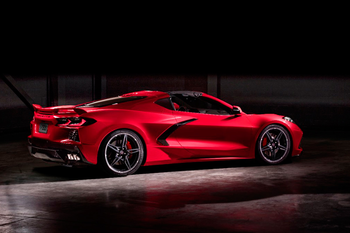 2020-chevrolet-corvette-stingray-trasera.jpg