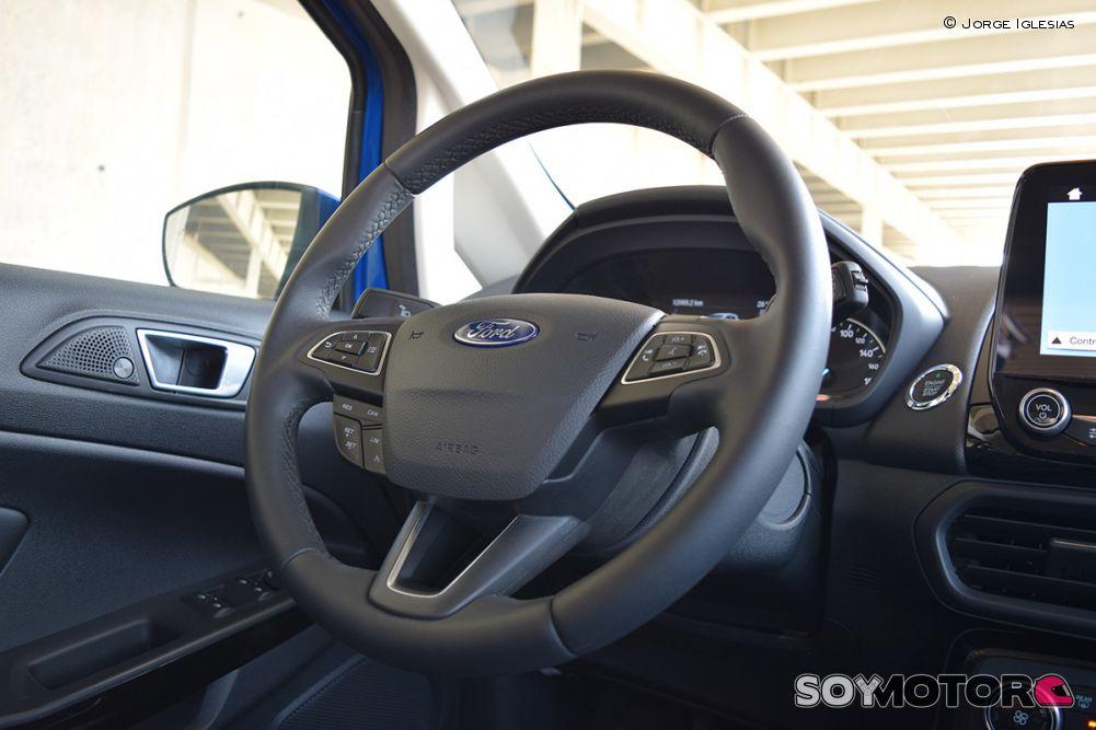 ford-ecosport-1.0-ecoboost-140-titanium-19-volante-soymotor.jpg