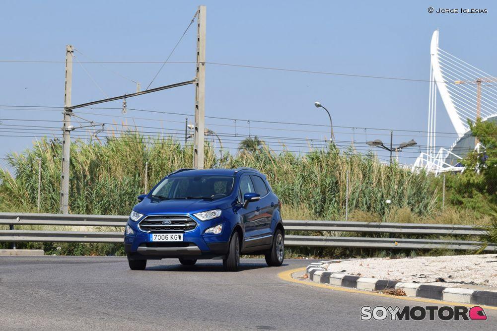 ford-ecosport-1.0-ecoboost-140-titanium-38-rotonda-soymotor.jpg