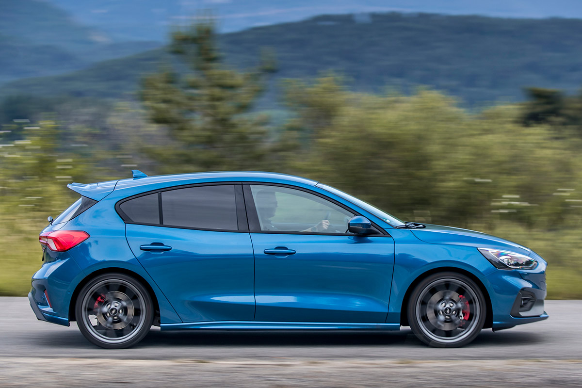 ford-focus-st-lateral.jpg