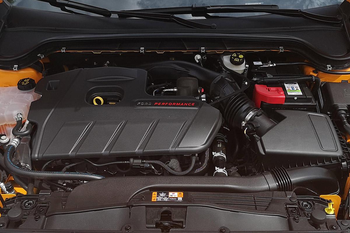 ford-focus-st-motor.jpg