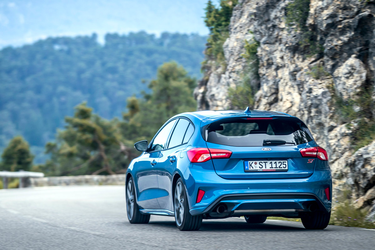 ford-focus-st-trasera.jpg