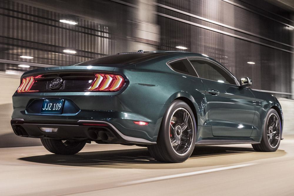 Ford Mustang Bullitt Trasera.jpg