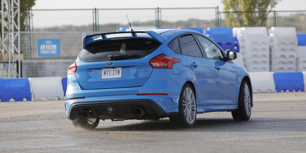 ford_focus_rs_trasera.jpg