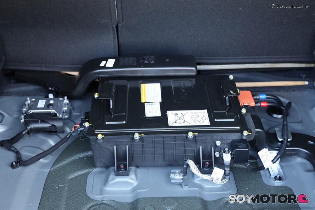 hyundai-tucson-2019-soymotor-bateria.jpg