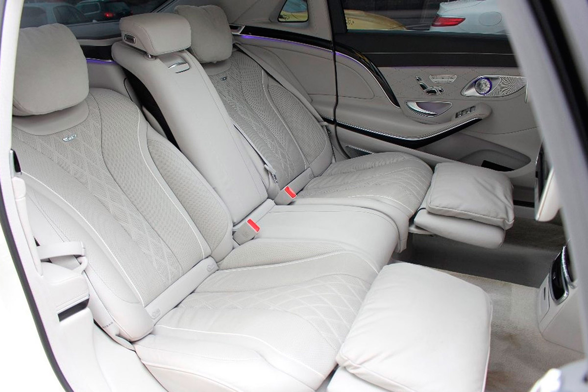 lewis-hamilton-mercedes-asientos-traseros_0.jpg