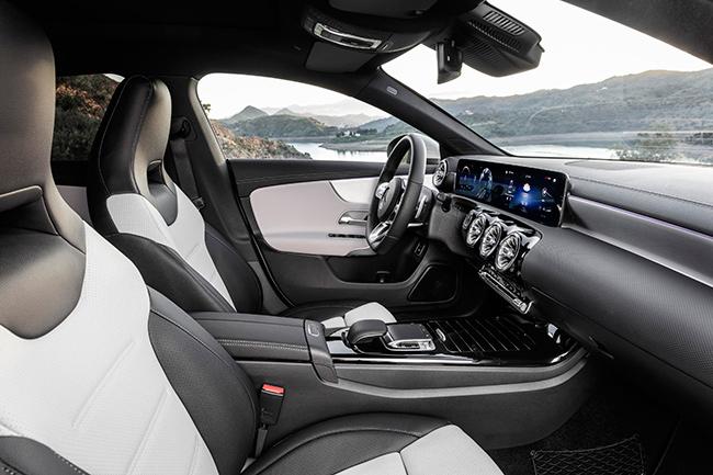 mercedes-cla-shooting-brake-interior.jpg