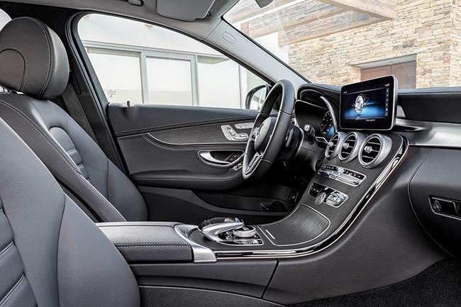 Mercedes benz clase c 2018 nueva mirada y gama de motores for Interior clase a