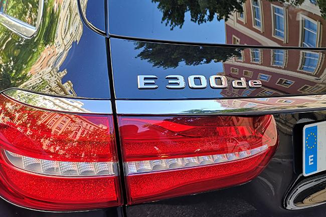mercedes-e-300-de.jpg