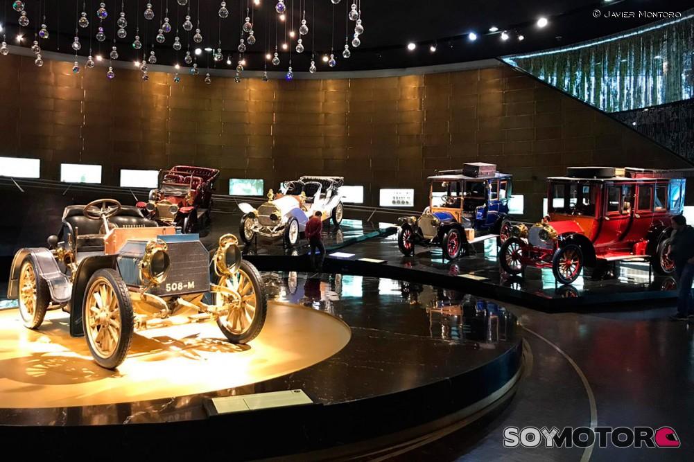 museo-mercedes-benz-stuttgart-soymotor-09.jpg