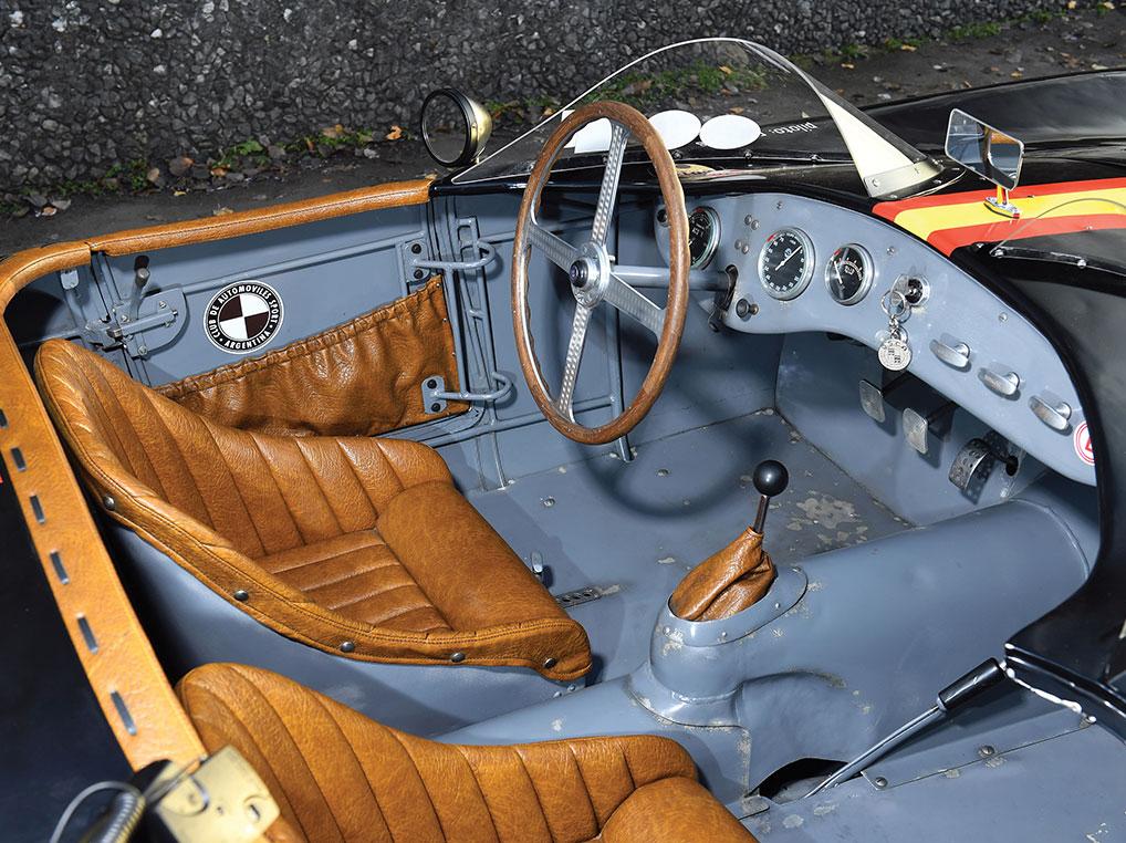 osca_mt4_1954_interior.jpg