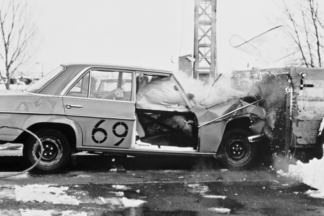 test_airbag_mercedes_1969.jpg