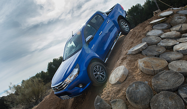 toyota-hilux-descenso.jpg