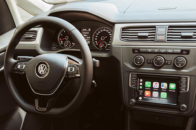 volkswagen-caddy-gnc-interior.jpg