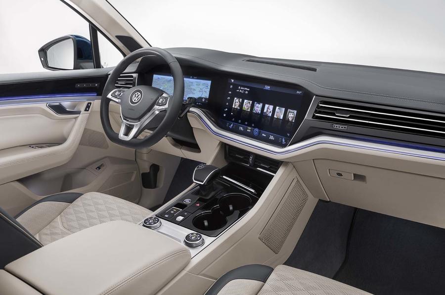 volkswagen_touareg_interior.jpg