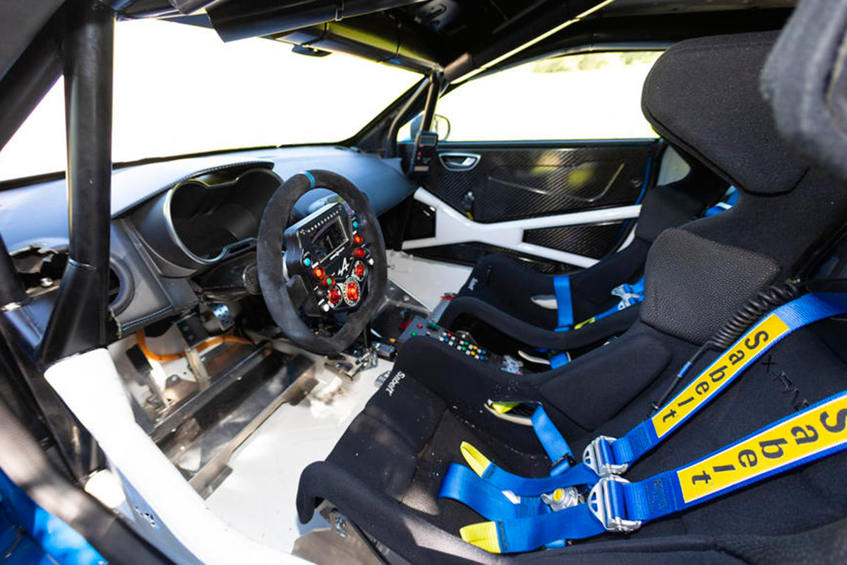alpine_a110_rally_soymotor_interior.jpg