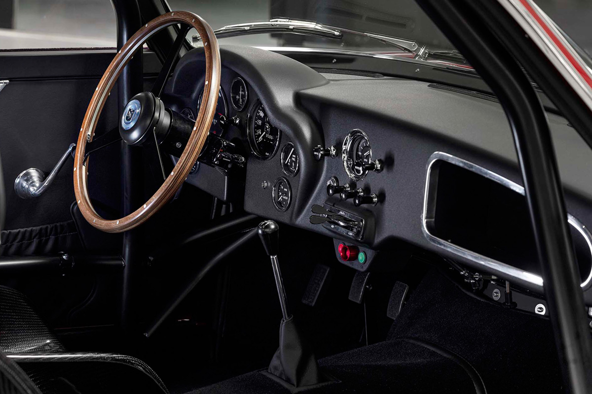 aston-martin-db4-gt-zagato-continuation-interior-soymotor.jpg