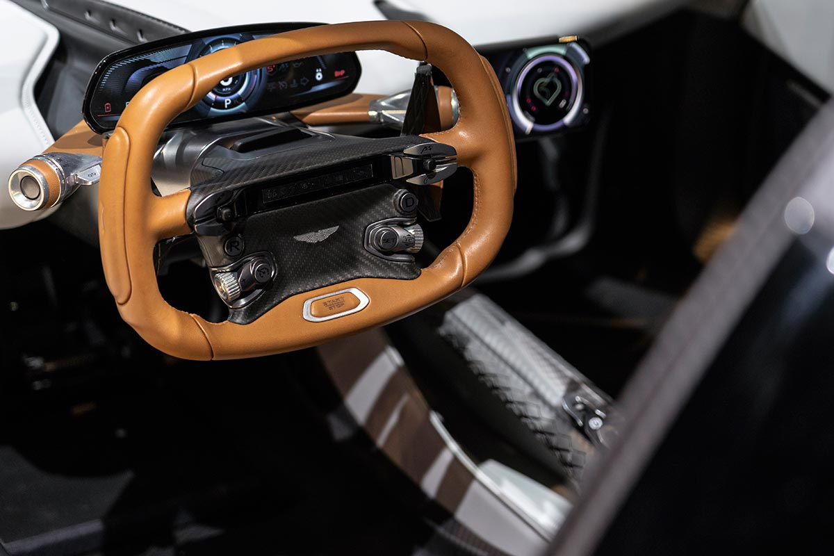 aston-martin-valhalla-volante-soymotor.jpg