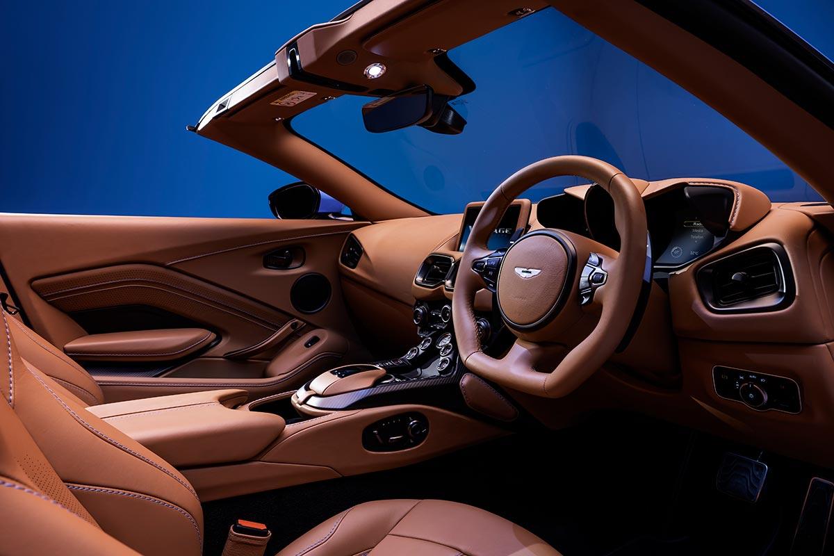 aston-martin-vantage-roadster-5-soymotor.jpg