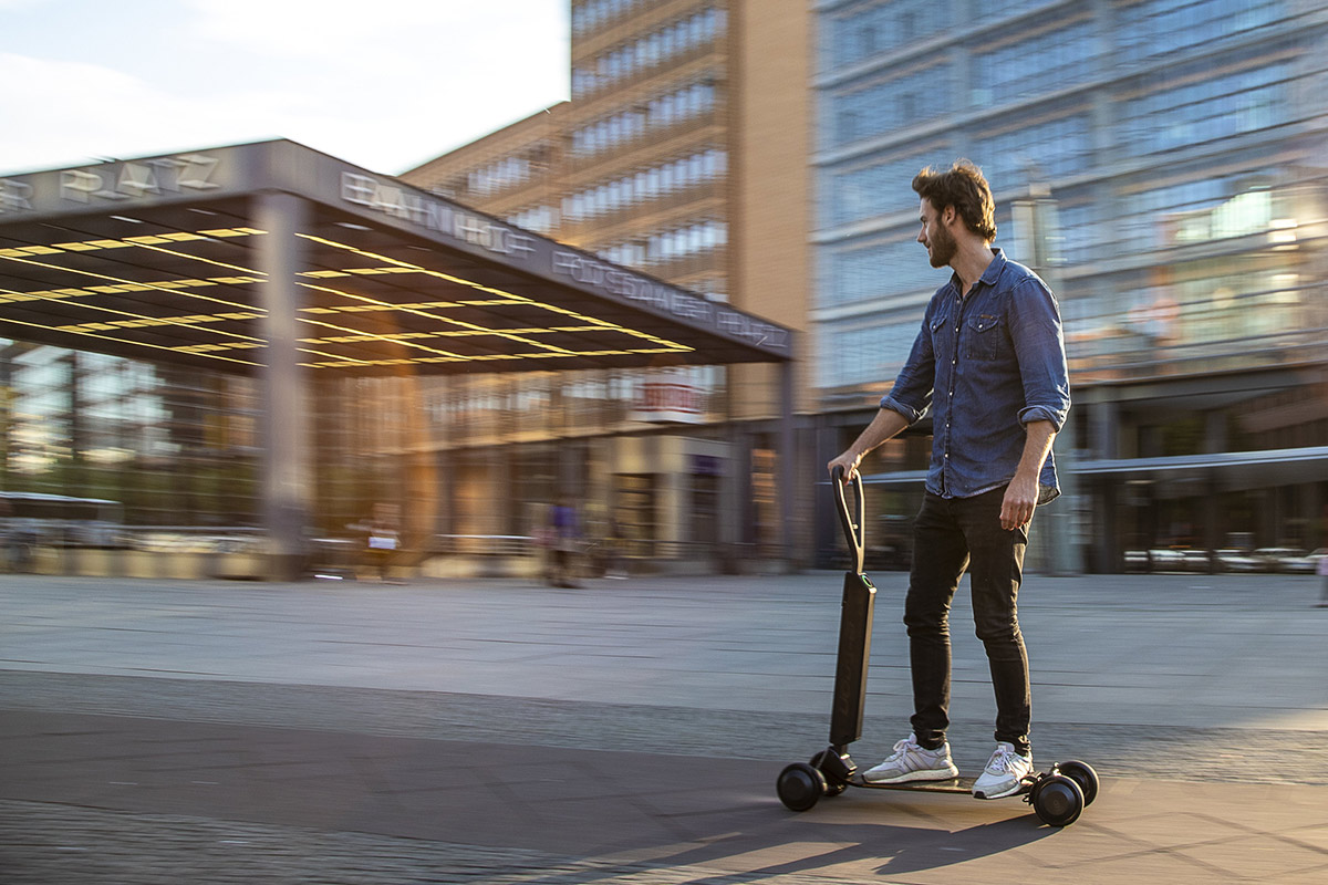 audi-e-tron-scooter-3.jpg