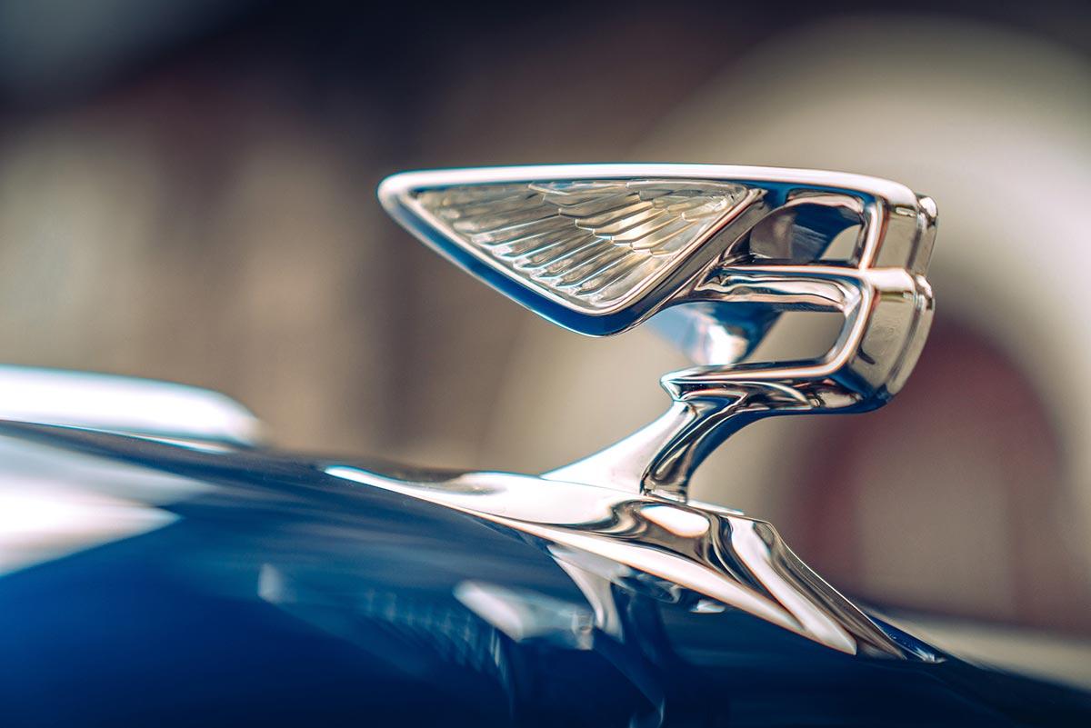 bentley-flying-spur-emblem-soymotor.jpg