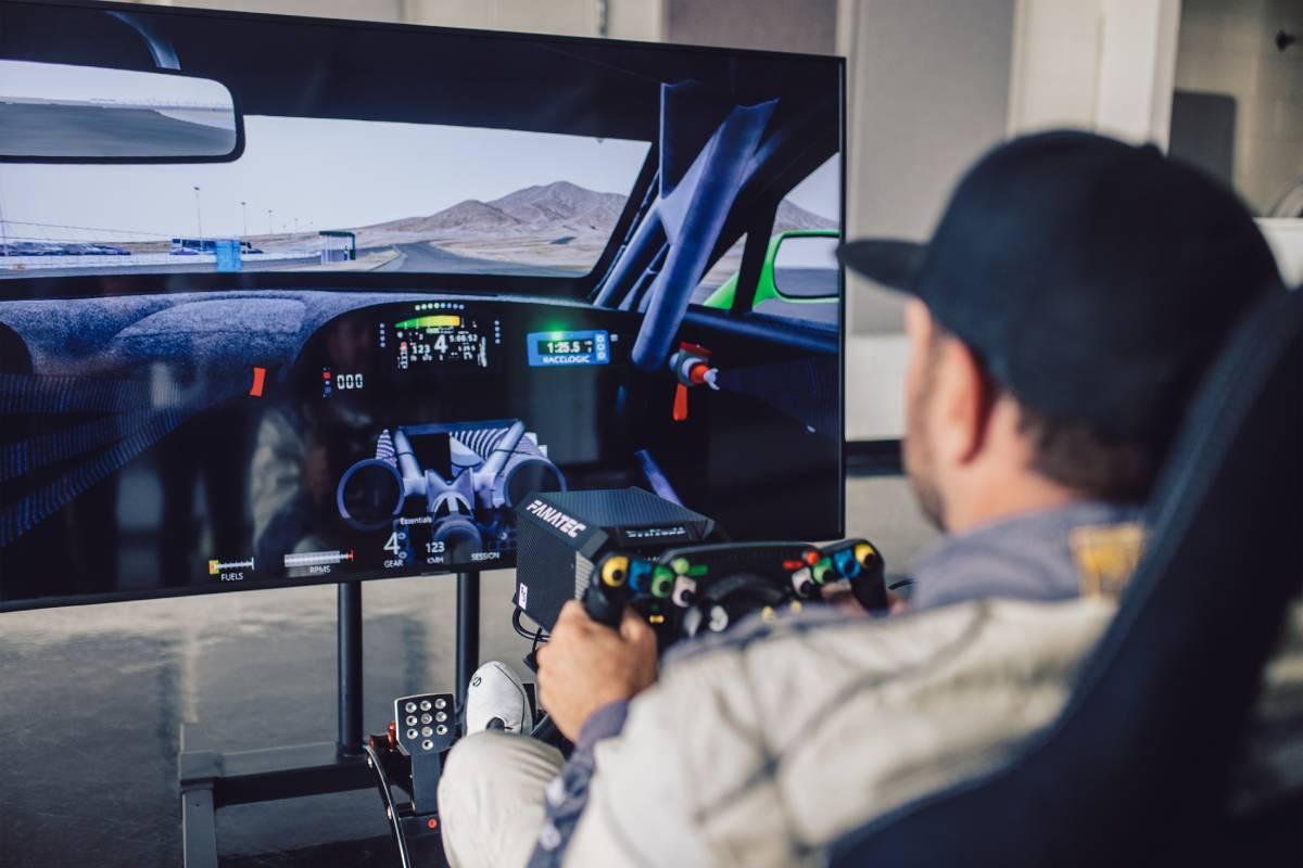 bentley-volante-fanatec-simulador-soymotor.jpg