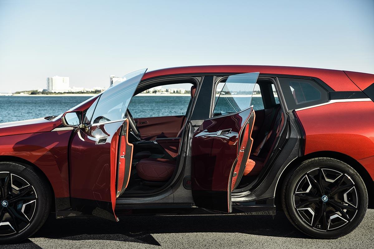 bmw-ix-2021-puertas-soymotor.jpg
