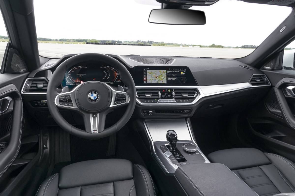 bmw-serie-2-2022-interior-2-soymotor.jpg