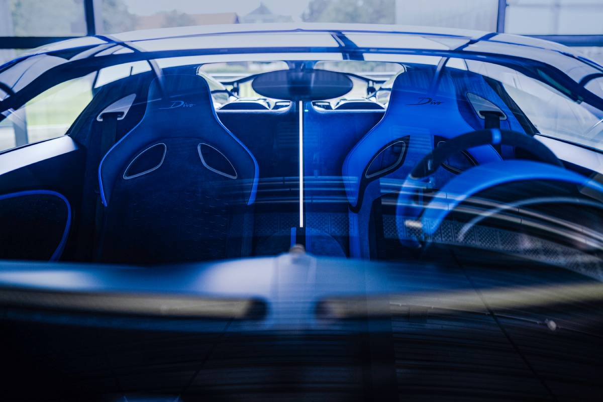 bugatti-divo-reverse-soymotor.jpg