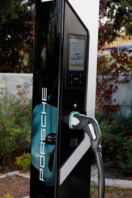 ultra-fast-charging-porsche-soymotor.jpg