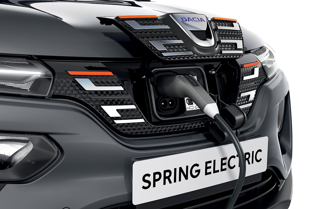 dacia-spring-2021-carga-soymotor.jpg