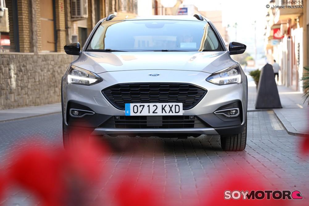 ford-focus-active-exterior-4-soymotor.jpg