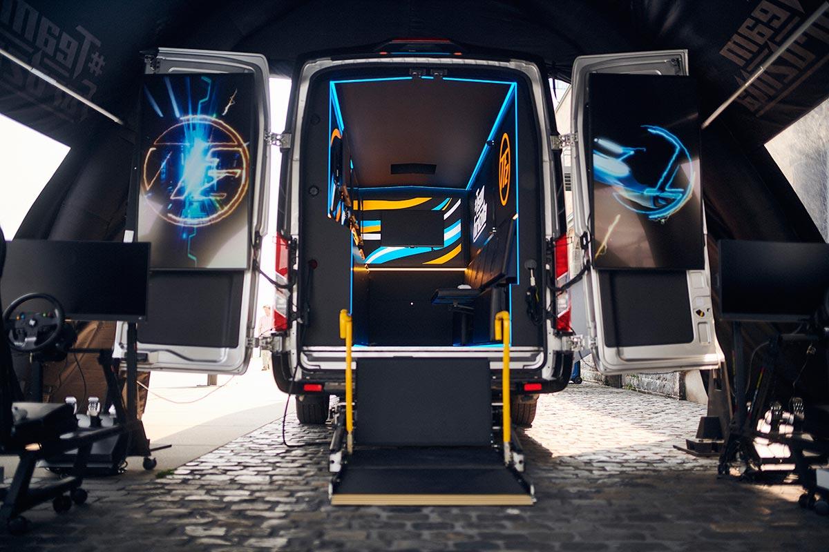 ford-gaming-transit-soymotor.jpg