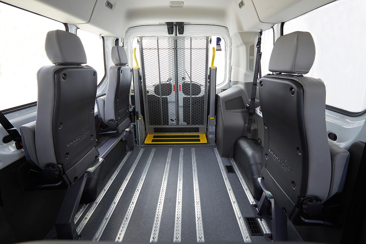 ford-transit-bus-mobileasy-1-soymotor.jpg