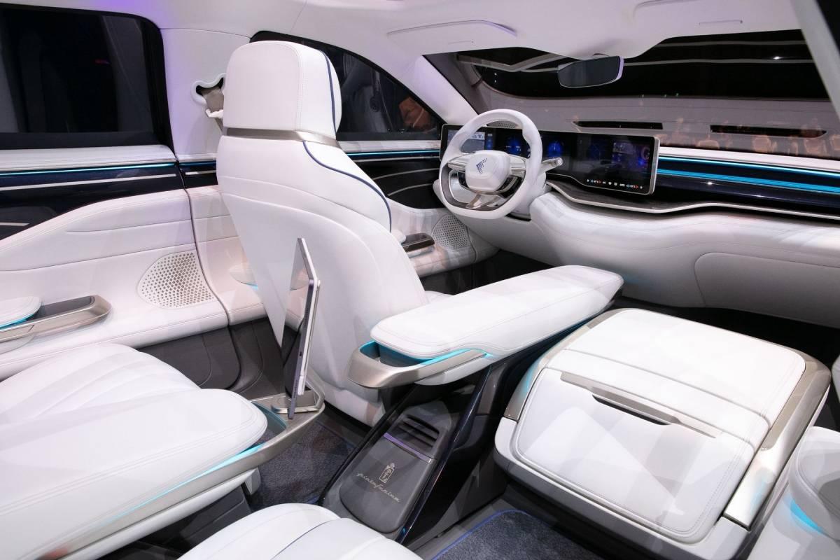 foxtron-model-e-interior-soymotor.jpg