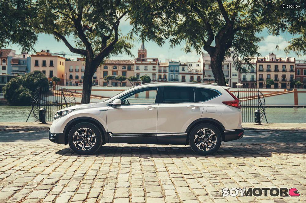 honda-cr-v-hybrid-2019-soymotor-14.jpg